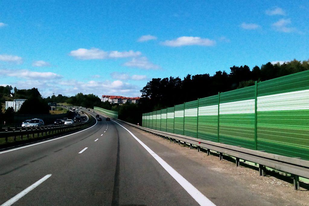 Wykonanie ekranu akustycznego wzdłuż istniejącej drogi może być wynikiem przeprowadzonego przeglądu ekologicznego, fot. Piotr Dmochowski